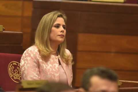 Kattya González: Destitución de ministro es un mensaje a la Corte