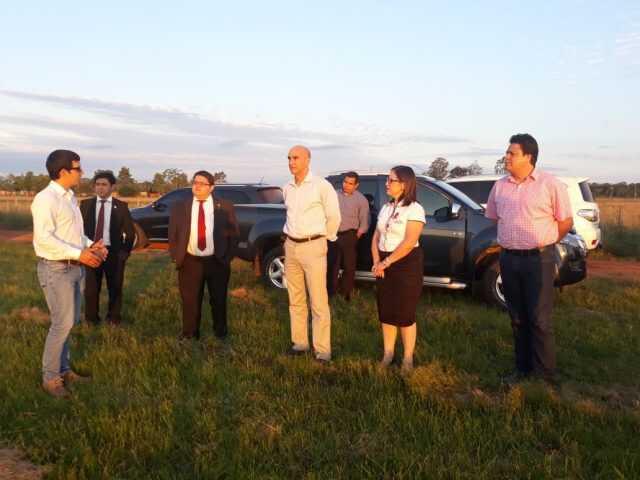 Ministro de salud visitó terreno donde construirán el Hospital General de Coronel Oviedo